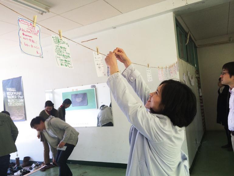 廊下に吊るした紙には、参加者の方々が考えた面白いアイデアがたくさん。