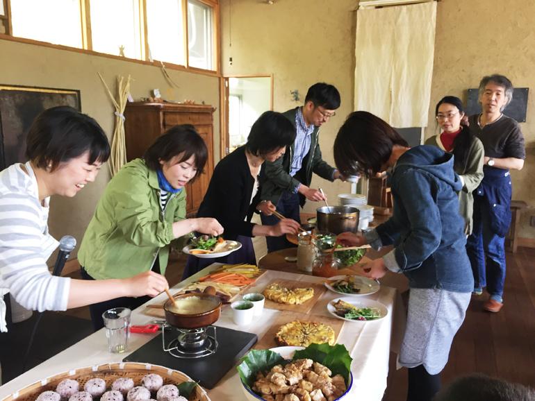 ノマド村プレオープン給食当番の配膳